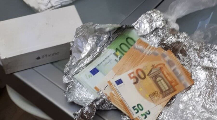 10 K cash in Capelle