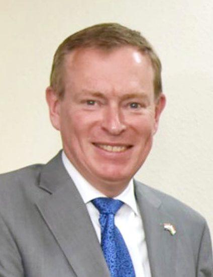 Minister Bruins